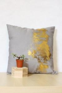 Gold Foil Cushion DIY Tutorial
