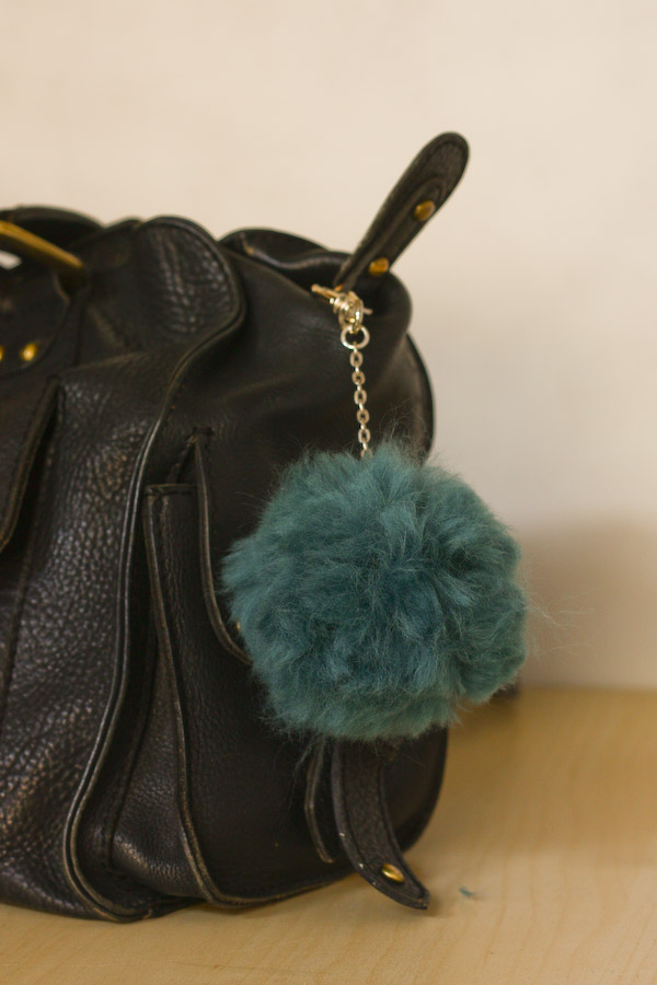 DIY Fluffy Pom Pom Bag Charm/Key Chain Tutorial