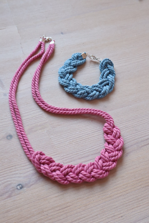 Macrame Braid Necklace Tutorial by Make and Fable 23
