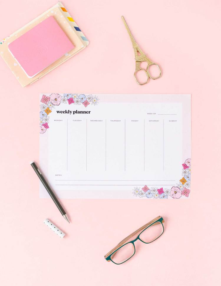 Printable floral weekly planner - free download!