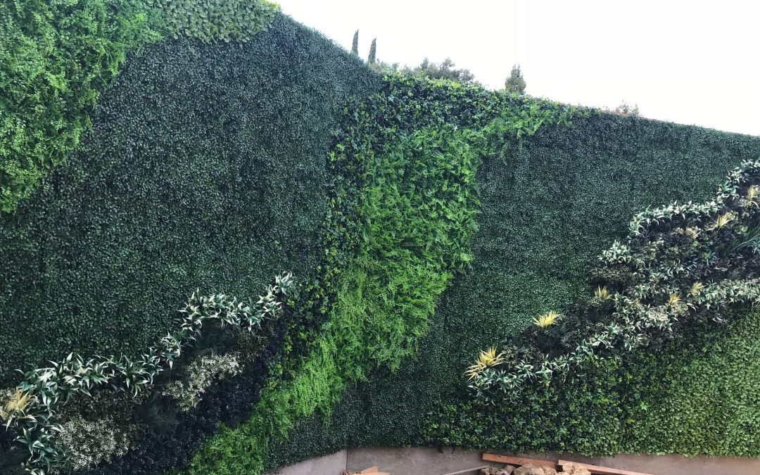 Artificial Green Walls Modular UV – Hampton Inn, Vallejo