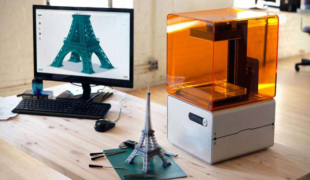 Form1 - SLA 3D принтер на фирмата FormLabs.