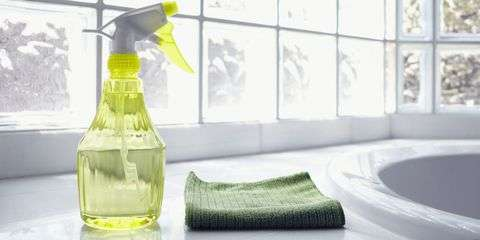 Natural Glass Cleaner – DIY