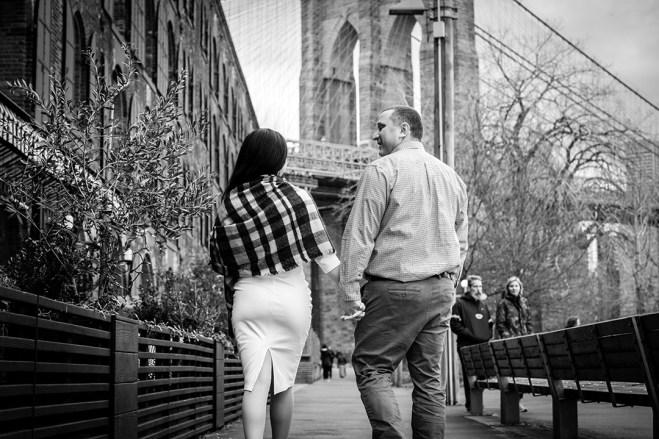 Brooklyn_Bridge_engagement_photo_05