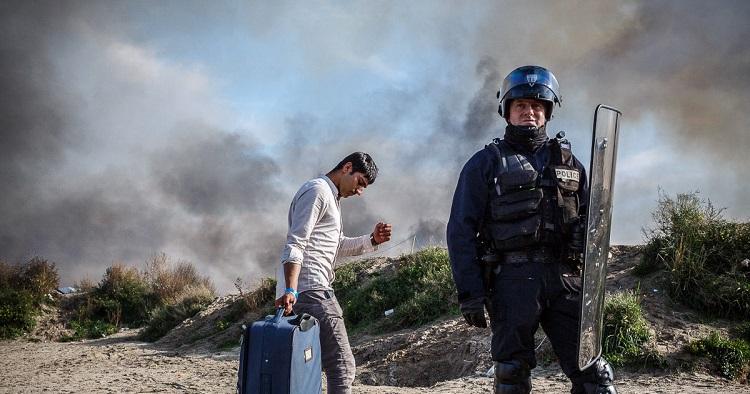Sur la route des réfugiés – le regard éclairé de Jef Baecker