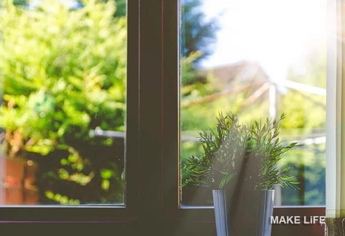 CLEANING WINDOWS TIPS - Βάλτε κάτω τα τζάμια και αστράψτε τα με μια DIY συνταγή