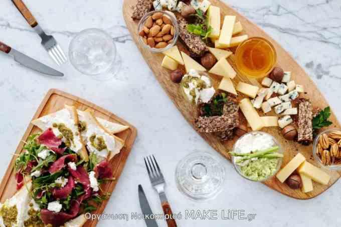 cheese plate - Τι δεν πρέπει να λείπει από ένα πλατώ τυριών και αλλαντικών