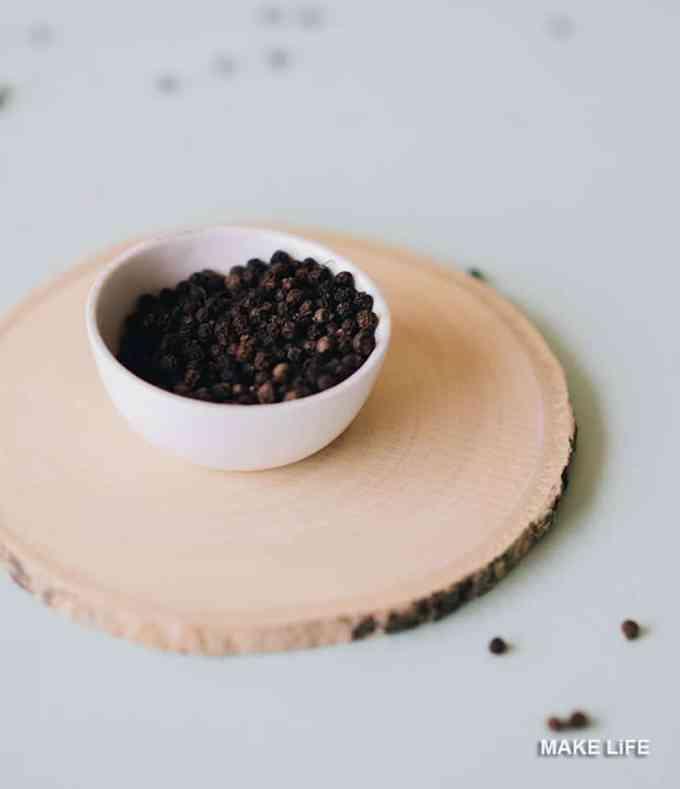 black pepper - Δίνουμε γεύση στο φαγητό. Ποια μπαχαρικά ταιριάζουν με τι