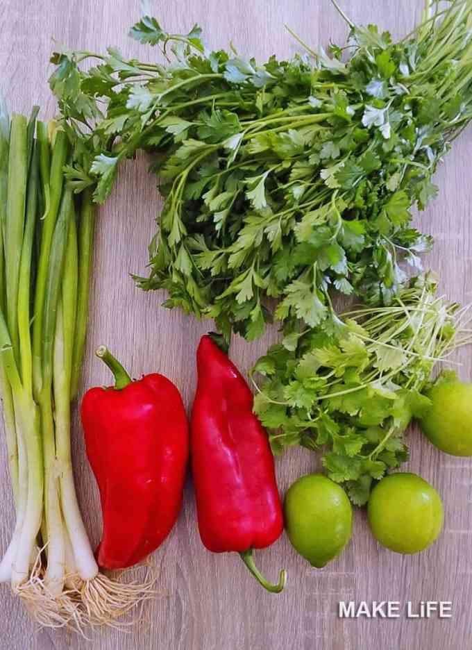Υλικά & Συνταγή για την σάλτσα τσιμιτσούρι