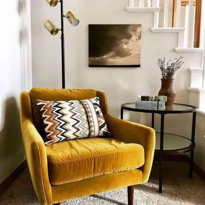 velvet armchair - Έτσι θα εντάξεις το βελούδο στη διακόσμηση του σπιτιού σου