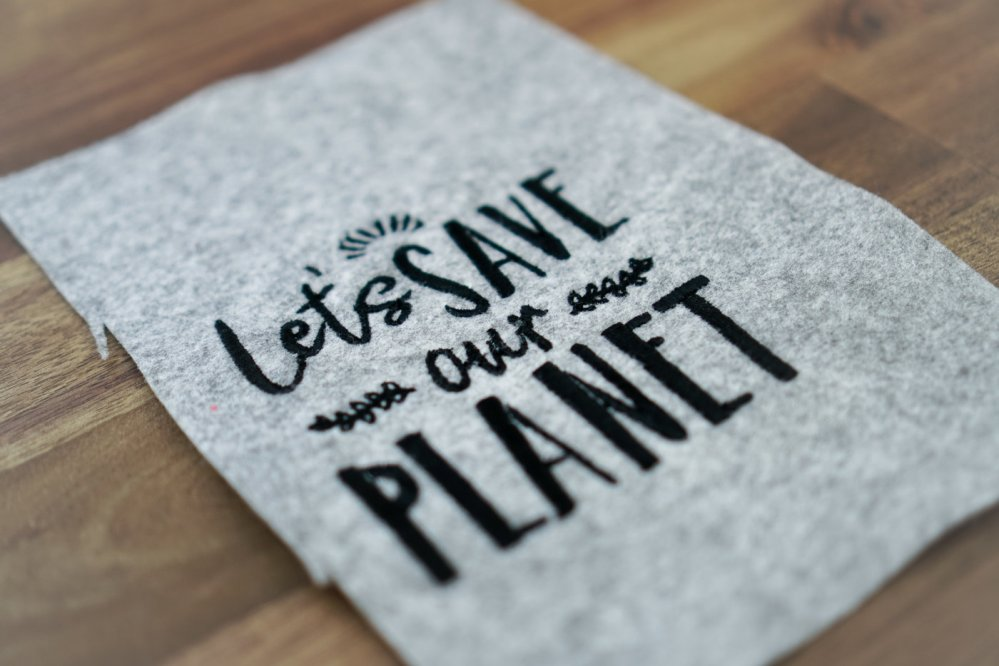 Stickdatei »Let's save our Planet«