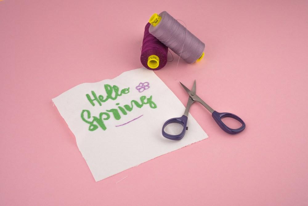 Stickdatei Hello Spring (Anwendungsbeispiel)