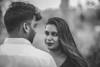 Make Me Click - The Best Pre Wedding Photography in India