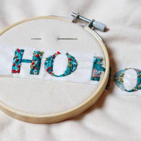MAKE-ME-STITCH-BRODERIE-KIT-CHRISTMAS-PARTY