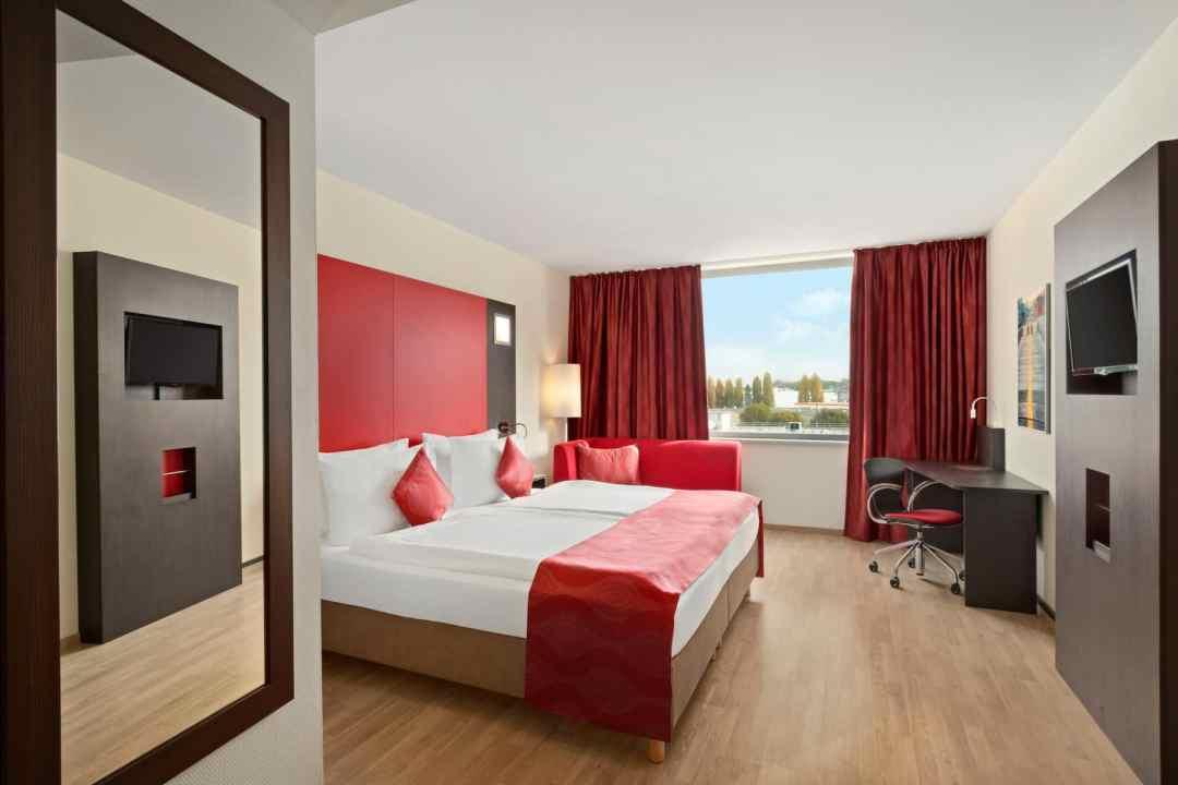 l'Hôtel Ramada Encore Genève