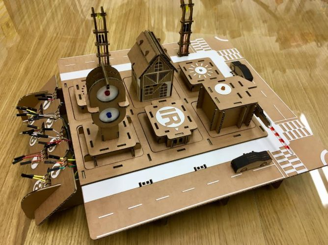 Maker Faire | Cardboard Project and Moving Gunpla