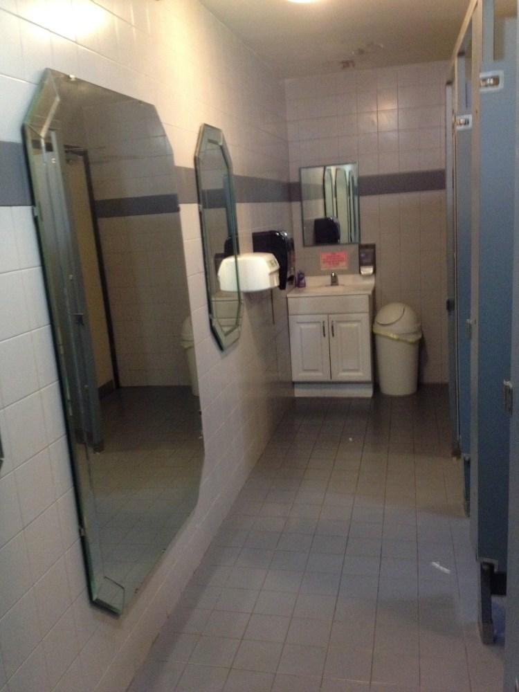 Toilet Pictures (3/6)