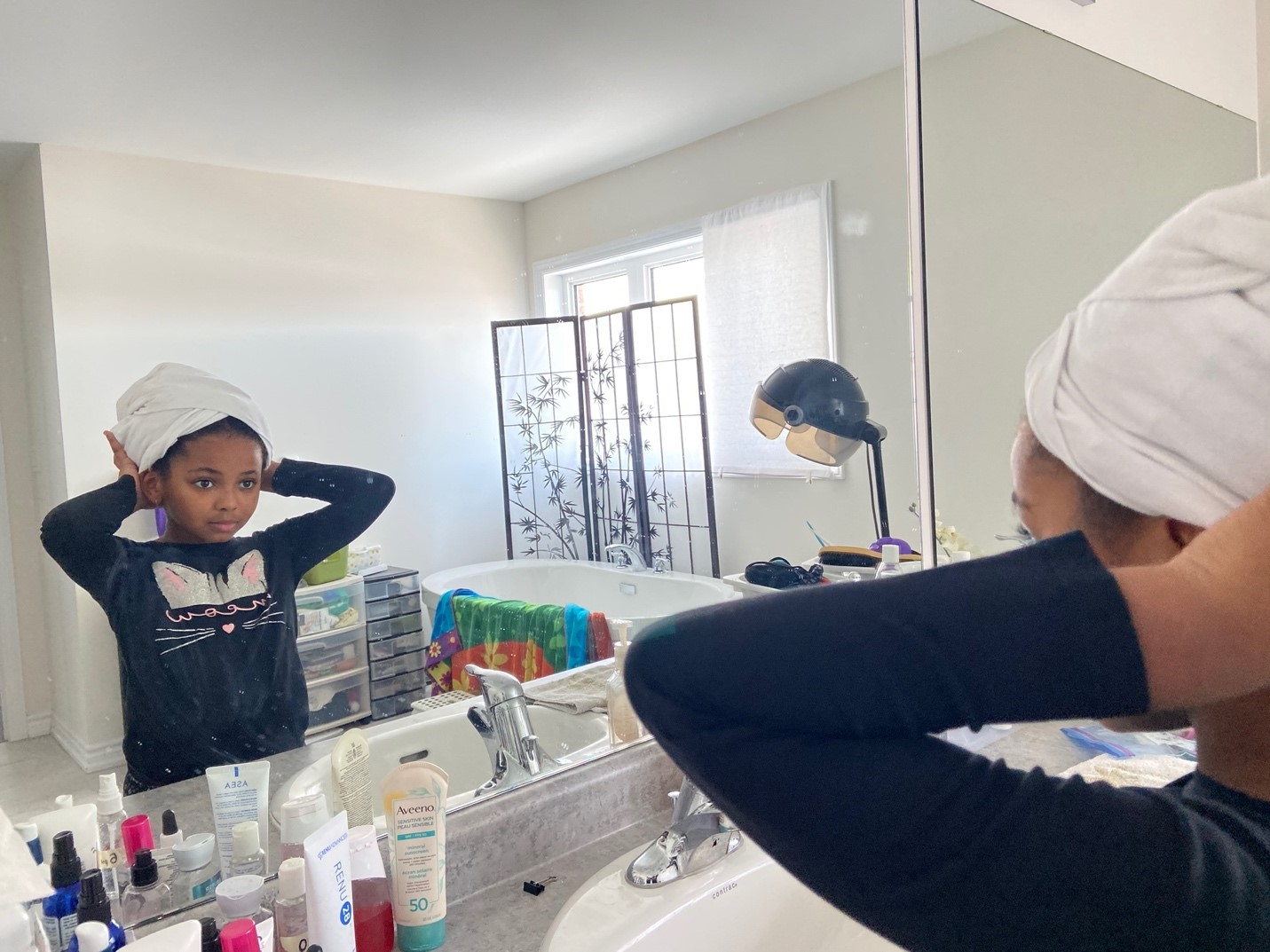 04: Isabella fixing her wrap towel in the mirror. One-Point Perspective (Block, 16-18)