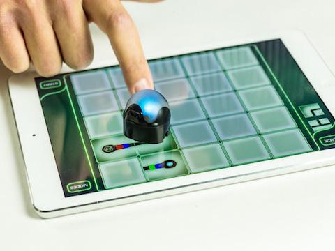 OZOBOT IL ROBOT PIU' PICCOLO AL MONDO PROGRAMMABILE CHE INTERAGISCE CON SMARTPHONE E TABLET