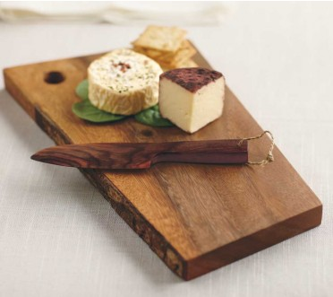 live-edge-cutting-board