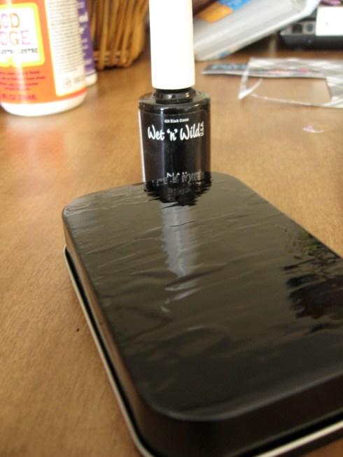 painting altoid tins