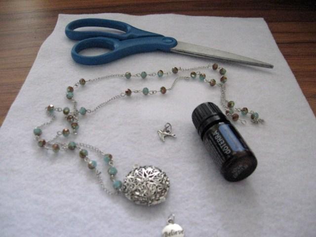 diffuser necklace materials