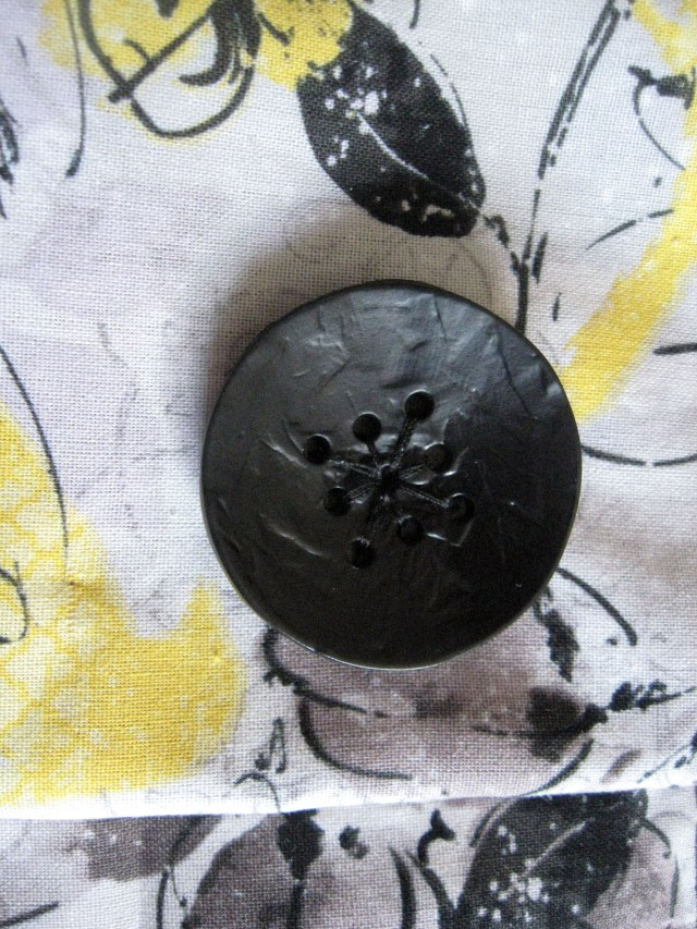 sketchbook closure button