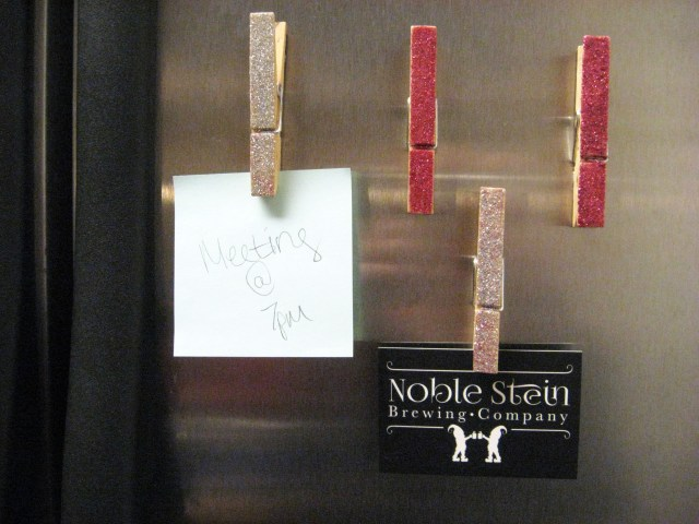DIY glitter clothespin magnets