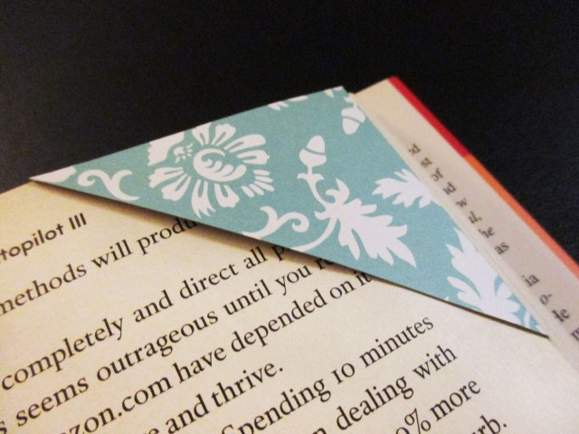 DIY page corner bookmark