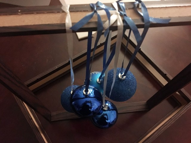 hanging ball ornaments