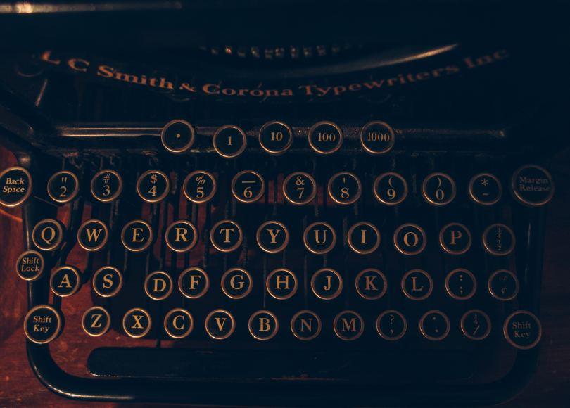 Storytelling, Photo by Andrew Seaman on Unsplash