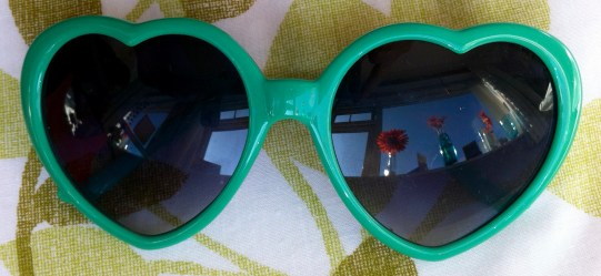 Green heart sunnies