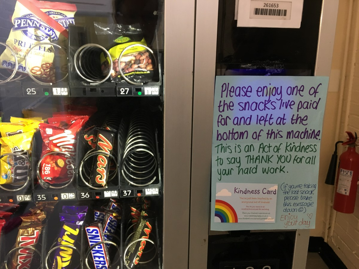 Act of kindness #33: Vending machine goodies