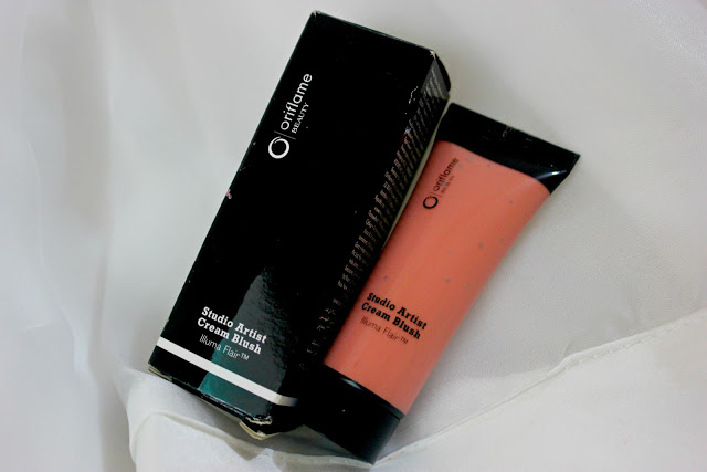 Oriflame Beauty Studio Artist Cream Blush Soft Peach: Review & Swatch