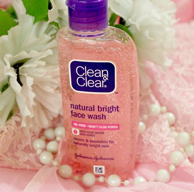 Clean & Clear Natural Bright Facewash Review