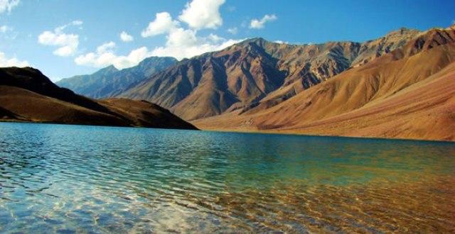 BEST MOUNTAIN TREKKING PLACES IN INDIA honeymoon
