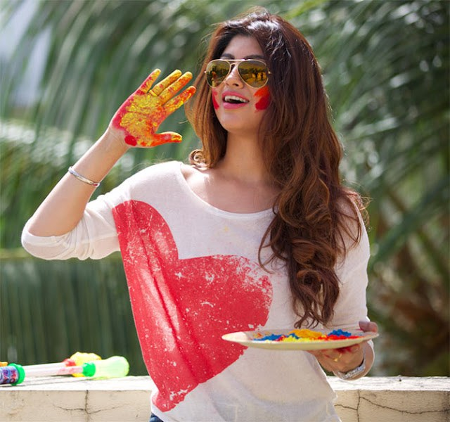 How To Look Stylish On Holi Festival