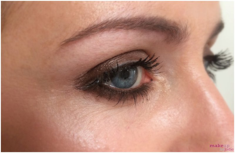 Products We Love Smokey Eyes In Under 1 Minute