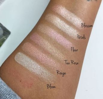 Violet Voss Rose Gold Highlighter Palette Swatches 2