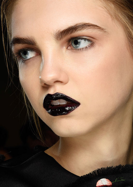 Black glossy lips at Giles A/W 2015
