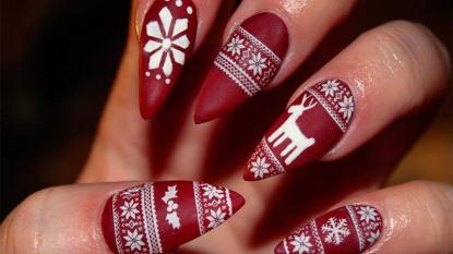 Christmas-Nail-with-Red-Matte-Nail-Art-for-Long-Nails-Red-Christmas-Nail-Design