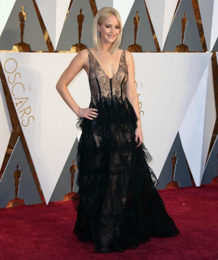 Jennifer-Lawrence-red-carpet-dress