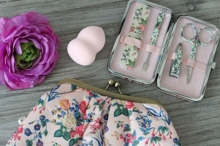 Vintage Cosmetics Company beauty tools