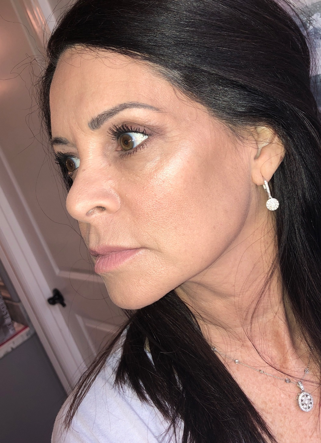 glowing skin with highlighter