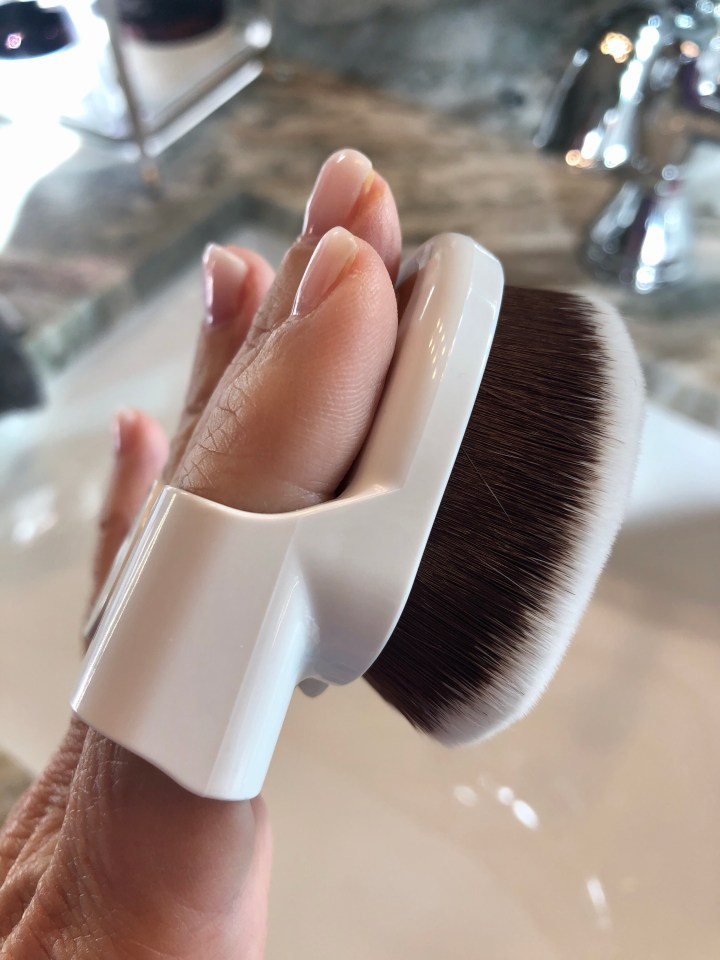 Yubi buff and blend foundation brush set