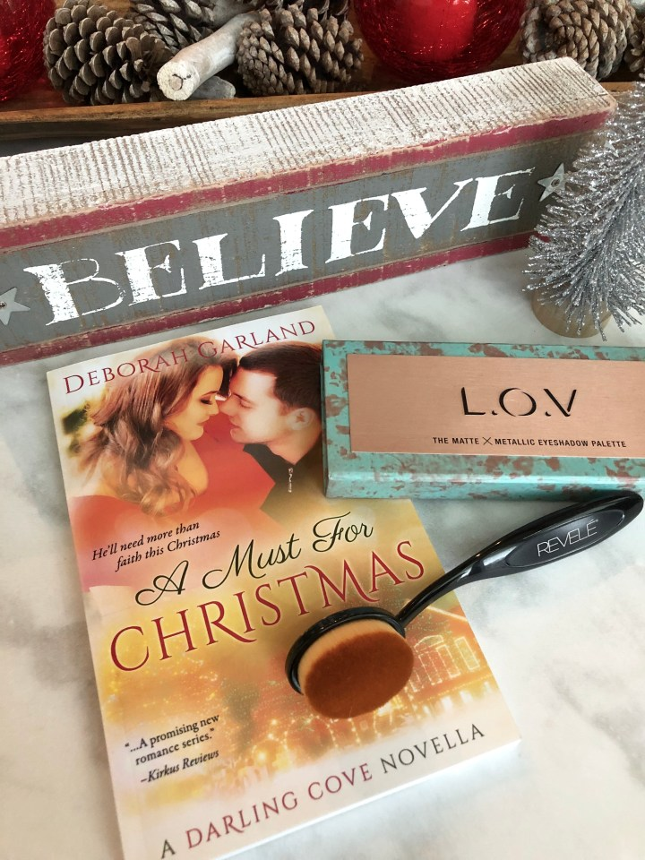 beauty and a book giveaway December 2018