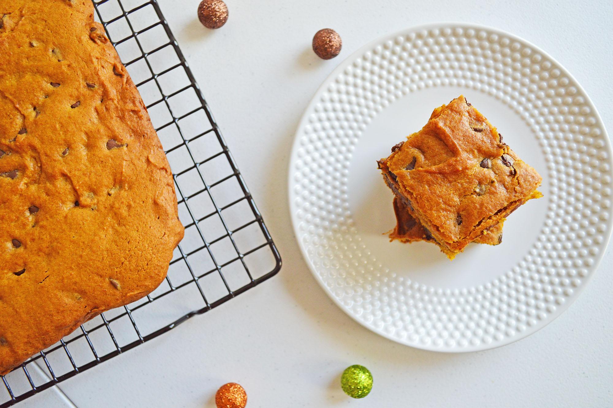 easy pumpkin chocolate chip blondies recipe