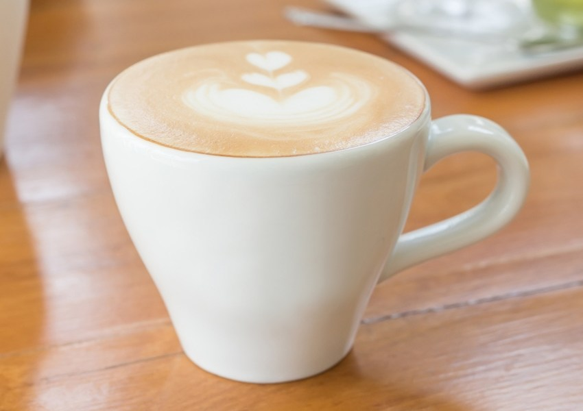 latte art with milk frother