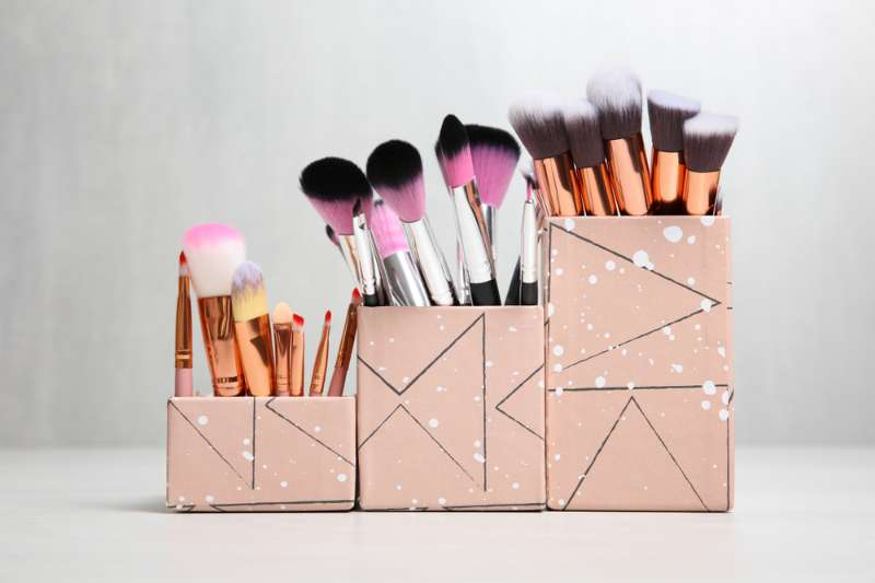 Make Your Own Makeup Brush Organizer