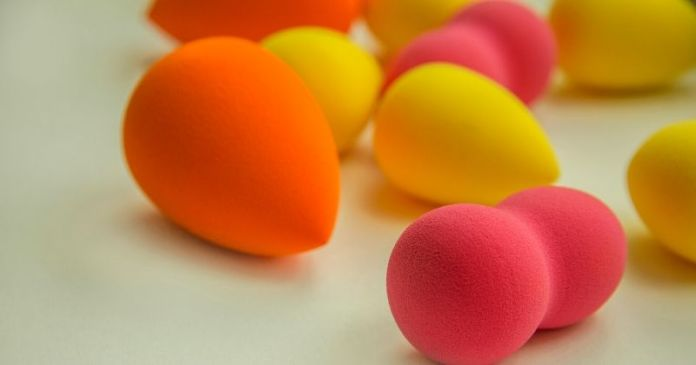 bright beauty blenders on white background   Use A Beauty Blender Makeup Sponge In Different Ways